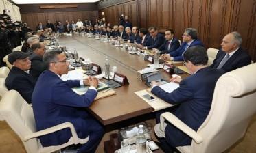 التوقيع على الاتفاق الاجتماعي الجديد بين الحكومة وثلاث مركزيات نقابية والاتحاد العام لمقاولات المغرب