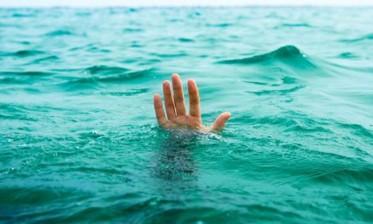 مياه البحر تلفظ جثة التلميذ الغريق بالجديدة