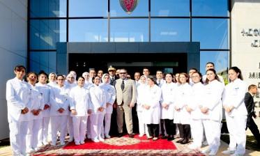 جلالة الملك يدشن مركز الفحص بالأشعة والتحاليل الطبية للأمن الوطني بالرباط، بنية تحتية صحية مزودة بأحدث التكنولوجيات ذات المعايير الدولية