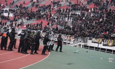 إيقاف 28 في أحداث عنف بملعب مولاي عبد الله...الاعتداء على شرطي مرور وسرقة حقيبة دفاتر مخالفات السير