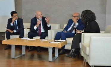 """الدارالبيضاء: الاتحاد العام لمقاولات المغرب يناقش الترسانة القانونية لـ """"الوساطة البنكية"""""""