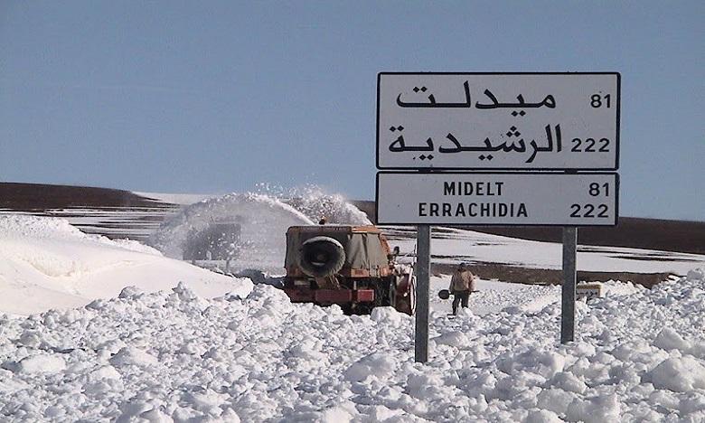 Les chutes de neige ont atteint, dans certaines localités, plus de trois mètres de hauteur.