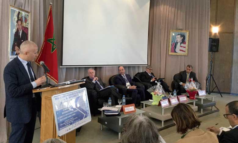 Les participants au symposium ont évoqué les enjeux du modèle économique à choisir pour le Maroc.