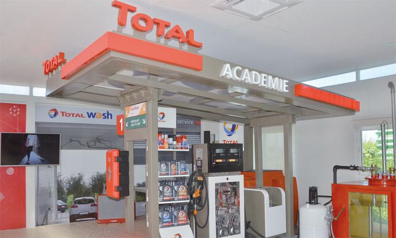 Le nouveau centre est constitué d'une véritable station miniature et de deux classes de cours, sur plus de 250m2.