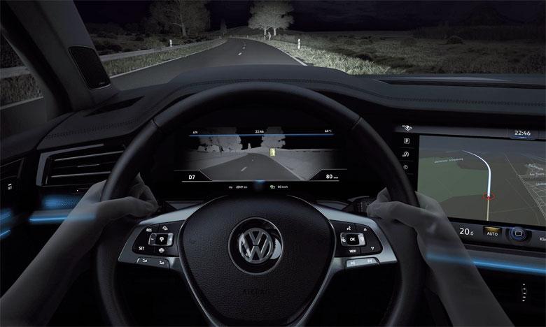 La nuit, la caméra thermique du Touareg peut détecter les personnes  en danger et les animaux sauvages, bien avant l'œil humain.