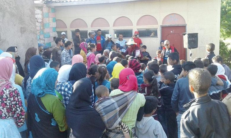 Vingt-sept centres socio-éducatifs ont été ouverts à travers les centres urbains et ruraux de la province, dont 9 à Khénifra,  3 à Mrirt et 15 au niveau des principales communes rurales.