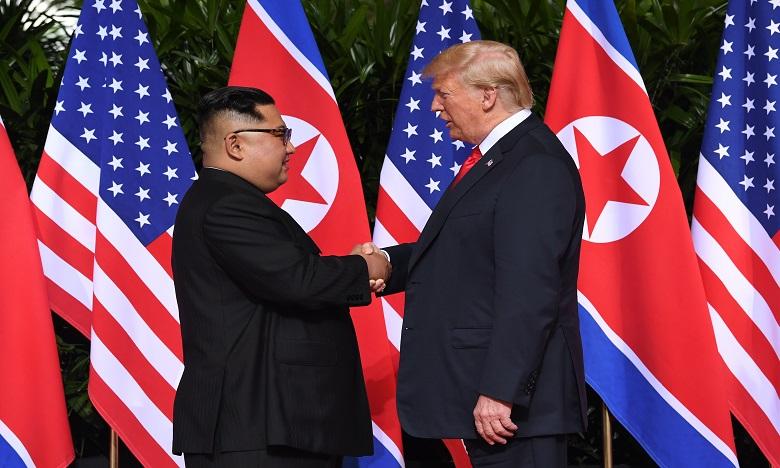 Poignée de main historique entre Donald Trump et Kim Jong Un