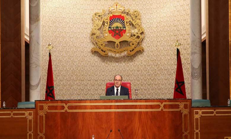Après la clôture de cette session, quelque 41 projets de loi sont toujours en cours d'examen au Parlement.