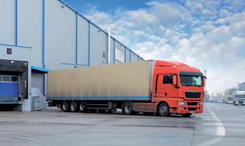 Le fret routier demeure le principal mode de transport des marchandises assurant 90% des flux transportés.
