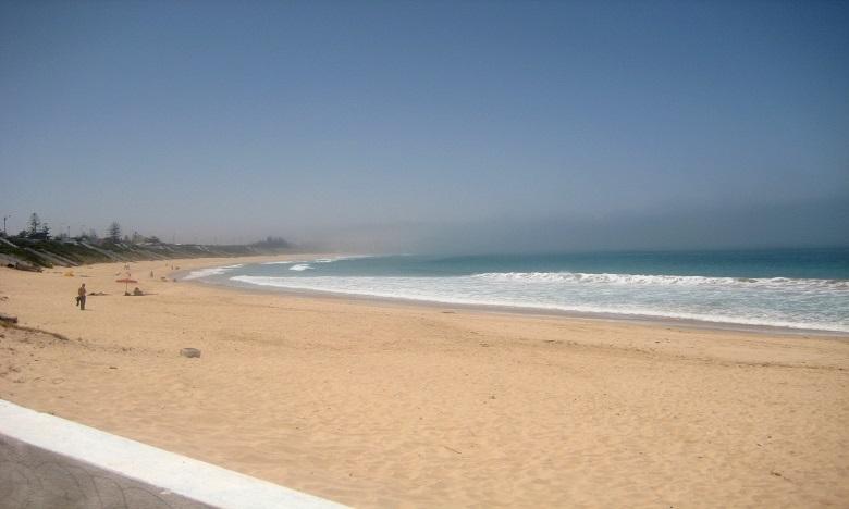 El Haouzia, une mer de couleur turquoise et du sable fin tout au long de 17 kilomètres.
