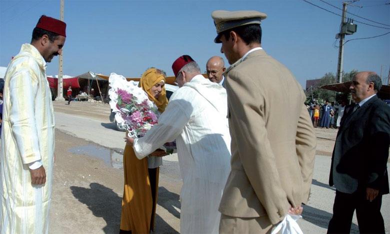 Ce moussem, dont la cérémonie d'ouverture a été présidée par le gouverneur de la province de Sidi Bennour, constitue un rendez-vous annuel des tribus.
