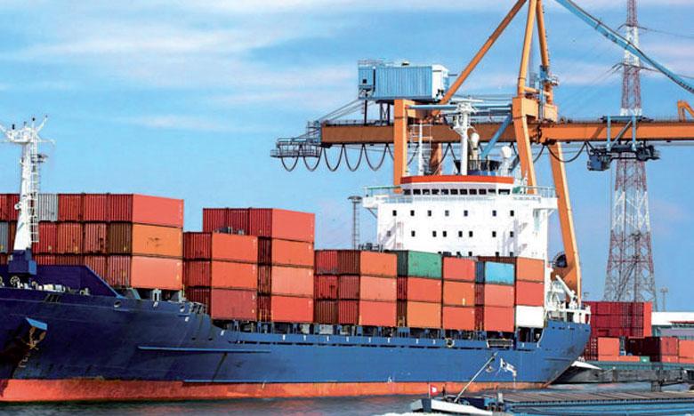 Le taux de couverture des importations par les exportations augmente légèrement à 57% contre 56,3% un an plus tôt.