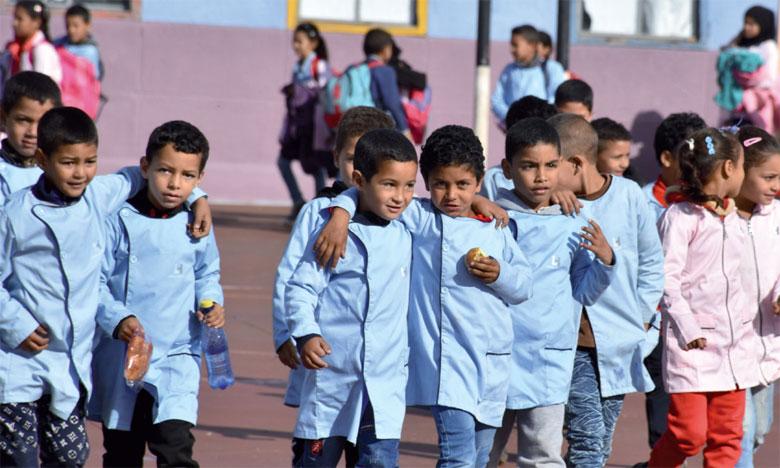 Le lancement des travaux de rénovation de la cantine de l'école primaire Al Jawabra s'est fait en partenariat avec L'Heure joyeuse et l'implication effective d'une vingtaine de collaborateurs volontaires de Mondelez Maroc.                                                                                                                                                  Ph. Seddik