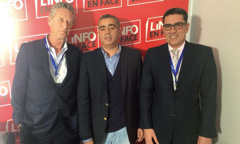 Rachid Hallaouy entouré d'Olivier Blanchard (à gauche), ancien économiste en chef du FMI et Karim El Aynaoui, directeur général de l'OCP Policy Center.