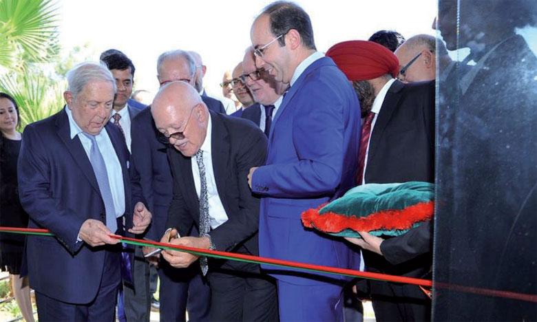 Inauguration d'une usine  de fabrication d'inhalateurs