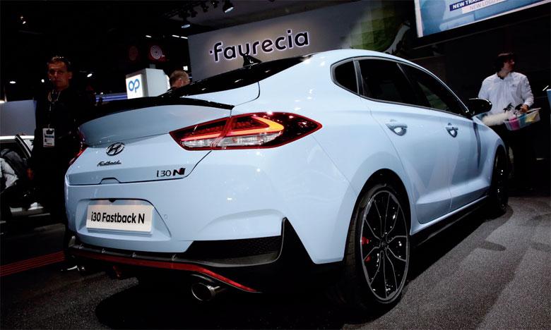 Premier coupé 5 portes hautes performances du segment C, la nouvelle i30 Fastback N reprend les attributs emblématiques de la très prisée i30 N 5 portes et les intègrent à une version coupé d'i30 Fastback.