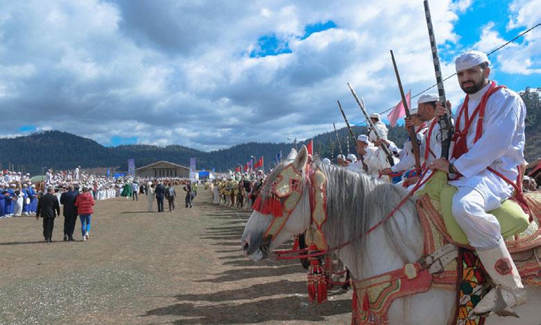 Le festival a été ponctué par des spectacles  de fantasia présentés par des cavaliers venus  de Tighassaline, d'Ouaoumana, d'Aït Ishaq  et les tribus avoisinantes.