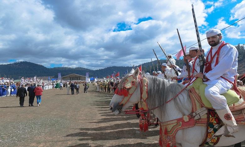Le Festival a été ponctué par des spectacles de fantasia présentés par des cavaliers venus de Tighassaline, d'Ouaoumana, d'Aït Ishaq et des tribus avoisinantes.