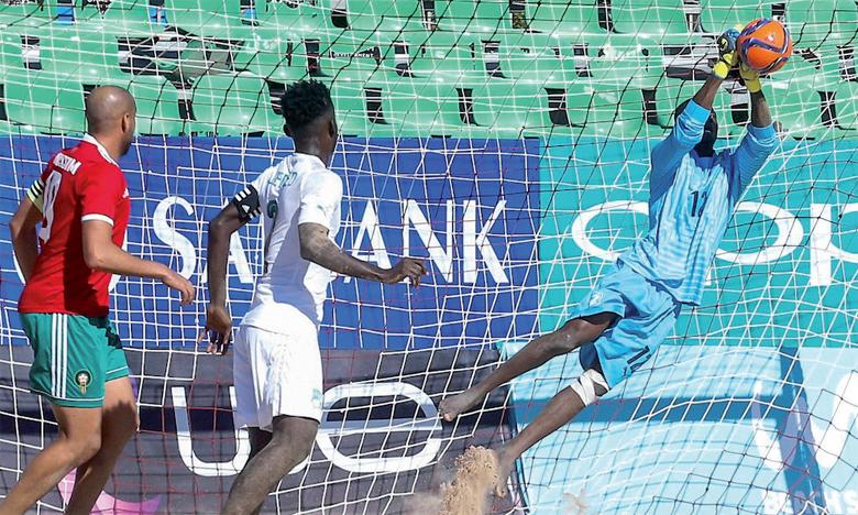Nassim El Haddaoui (en rouge) a inscrit un triplé face à la Côte d'Ivoire.