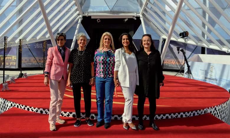 De gauche à droite Narjiss Nejjar, réalisatrice et scénariste, Farida Benlyazid, réalisatrice, Dounia Benjelloun-Mezian,  Fondatrice de Dounia Productions, Lamia Chraibi, productrice et Simone Bitton, réalisatrice.