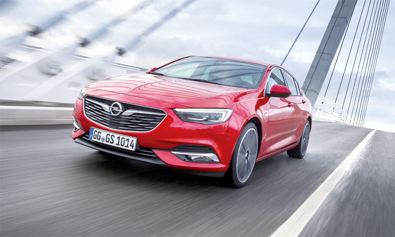 L'Insignia Grand Sport a été élue «Family Car of the Year» au Portugal, en Roumanie et au Royaume-Uni.