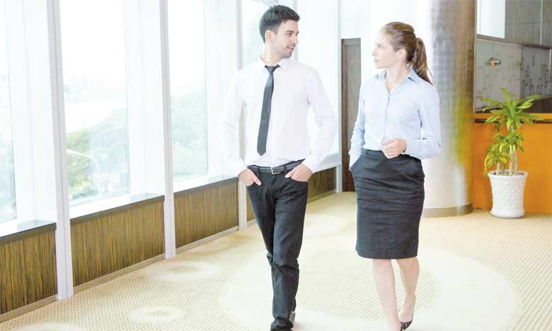 La tenue exprime le respect que nous témoignons aux gens qui nous entourent.