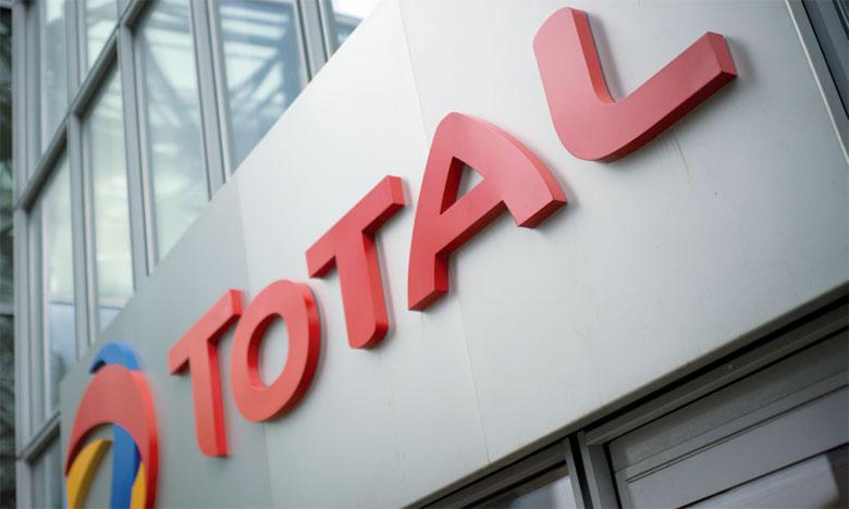 Total a mis à la disposition des constructeurs deux gammes de produits: Total Quartz EV Fluid, dédié aux véhicules légers, et Total Rubia EV Fluid pour les véhicules industriels, utilitaires et bus électriques.
