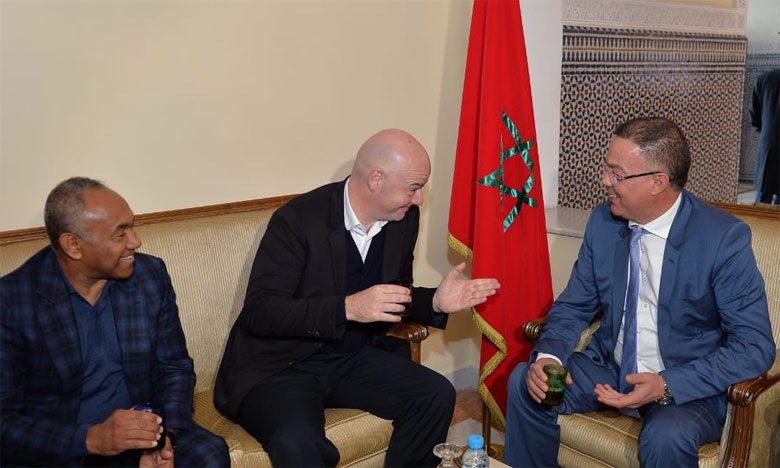 Gianni Infantino a débarqué, lundi à Marrakech, où il a été reçu par le président de la FRMF Fouzi Lekjaa et le président de la CAF Ahmad Ahmad .