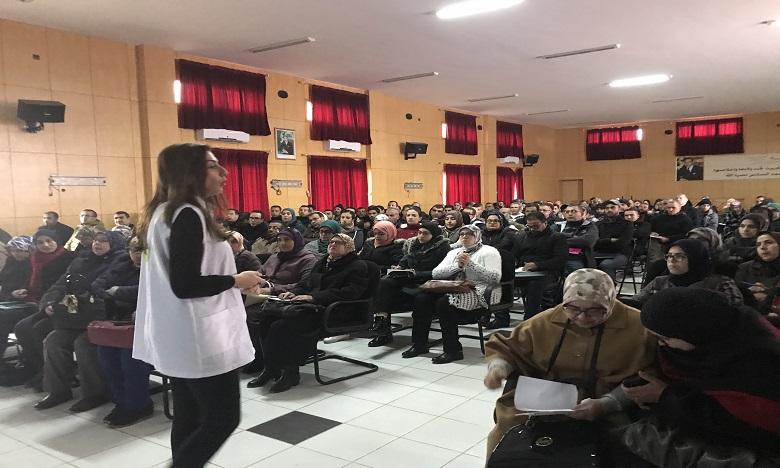 70 enseignants ont été formés à la psychologie de l'enfant et de l'adolescent et 113 étudiants en terminale ont été coachés  à Taounate.