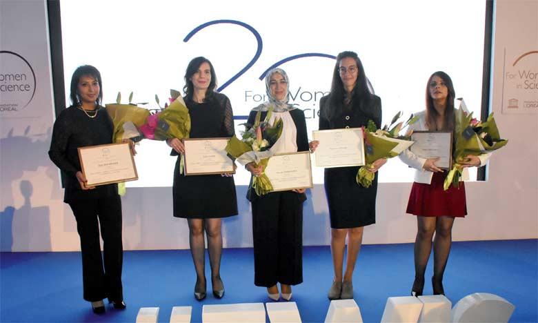 Les cinq chercheuses maghrébines récompensées lors de la cérémonie de remise des prix «Pour les femmes et la science2018».  Ph. Saouiri