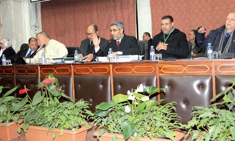 Après 15 ans de gestion du transport urbain par M'dina bus, les 18 présidents de communes constituant l'ECI ont décidé,  à l'unanimité, de ne pas reconduire son contrat.