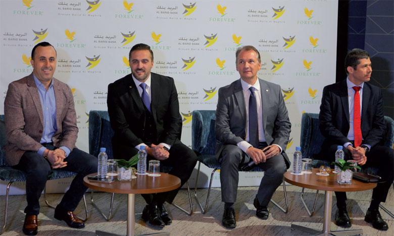 La convention signée entre Forever et Al Barid Bank vise à faciliter les  démarches d'inscription au Registre national de l'auto-entrepreneur pour les distributeurs indépendants Forever.