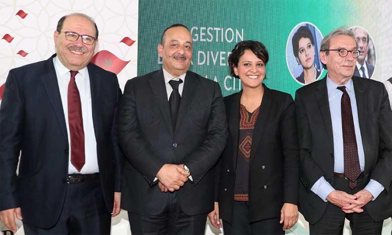 De gauche à droite, Abdellah Boussouf, Mohamed  Laaraj, Najat Vallaud-Belkacem et Roland Ries.