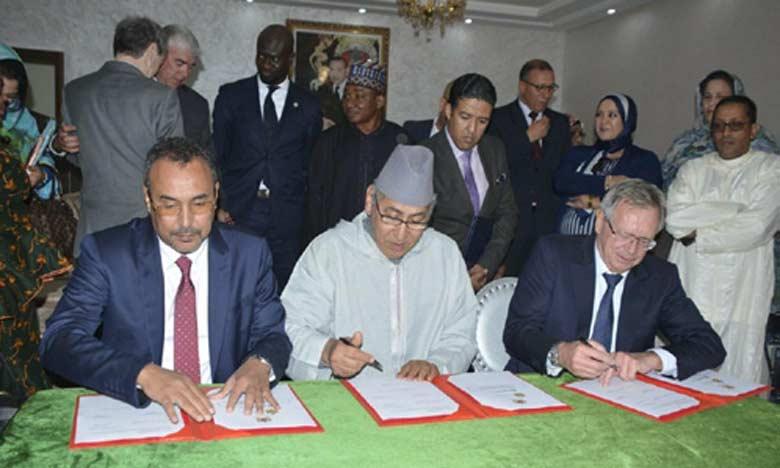 Le président de la CFCIM, le wali de la région de Dakhla-Oued Eddahab et le président du Conseil régional