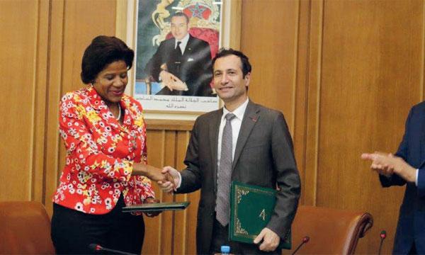 L'accord de prêt a été signé par Marie Françoise Marie-Nelly, directrice des opérations à la Banque mondiale, et l'argentier du Royaume, Mohamed Benchaâboun