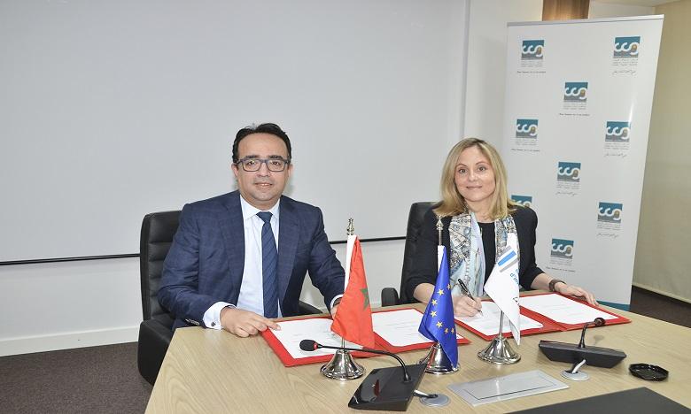 Hicham Zanati Serghini, directeur général de la Caisse centrale de garantie (CCG) et Emma Navarro, vice-présidente de la Banque européenne d'investissement (BEI) en charge des activités de la banque au Maghreb.