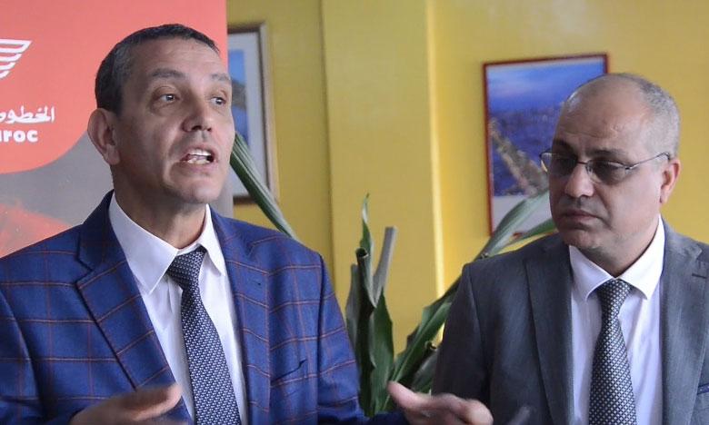 A droite, Elmostafa Loudagh, représentant régional de RAM pour le Burkina Faso. A gauche,  Ahmed Benrbia, délégué général Afrique à RAM.