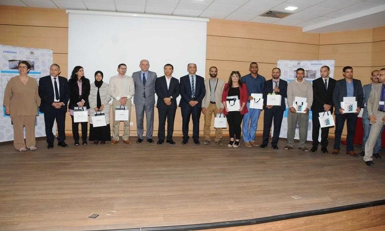 21 enseignants primés pour avoir développé des contenus créatifs et qualitatifs, dans le cadre des compétitions «BEST APP TAB» et Telmidtice.ma. Ph. DR