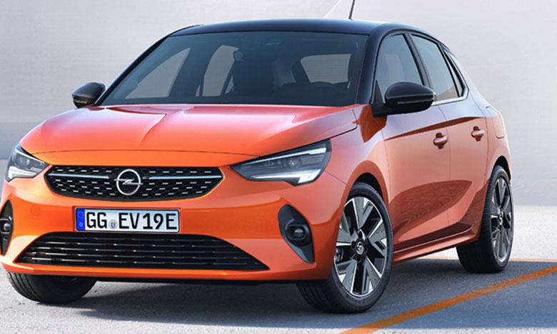 Les carnets de commandes pour la Corsa de sixième génération vont être ouverts dans les semaines qui viennent, d'abord pour la Corsa-e, puis peu après pour les versions diesel et essence.