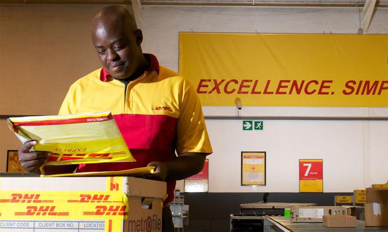 DHL Africa eShop permet aux utilisateurs d'effectuer leurs achats directement auprès de plus de 200 détaillants basés aux États-Unis et au Royaume-Uni et de les recevoir directement à leur domicile par DHL Express.