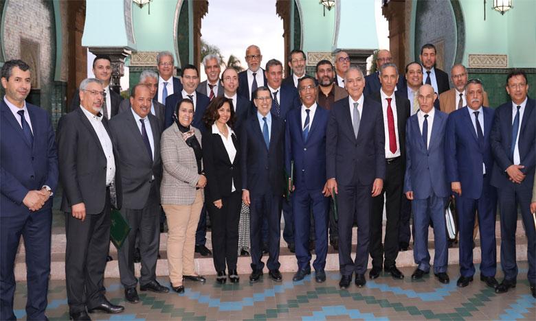 Le gouvernement entreprend la mise en œuvre des dispositions de l'accord sur le dialogue social du 25 avril