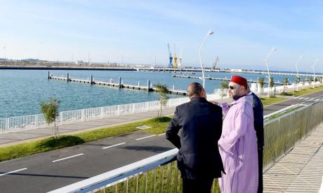 S.M. le Roi inaugure les nouveaux ports de pêche et de plaisance de Tanger