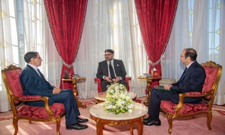 S.M. Le Roi reçoit en audience le Chef du gouvernement et le ministre de la Santé