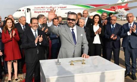 S.M. le Roi pose la première pierre d'un nouveau terminal à l'aéroport de Rabat-Salé et lance la nouvelle génération des avions de la RAM