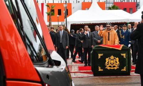 Video : S.M. le Roi lance la mise en service de la deuxième ligne du tramway de Casablanca