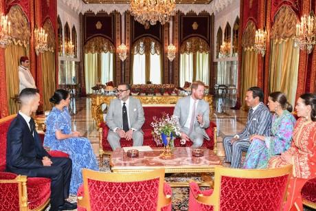 S.M. le Roi offre une cérémonie de Thé en l'honneur du Prince Harry du Royaume Uni et de son épouse