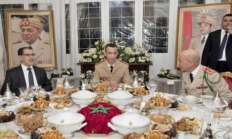 63e anniversaire de la création des FAR :S.A.R. le Prince Héritier Moulay El Hassan préside un ftour-dîner offert par S.M. le Roi