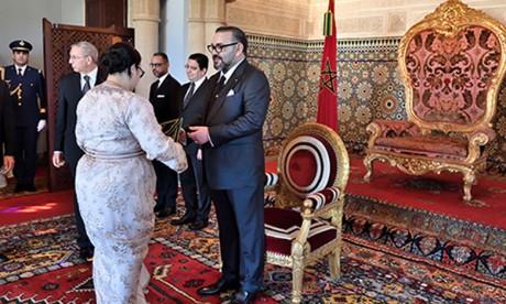 Video : S.M. le Roi nomme de nouveaux ambassadeurs et reçoit des ambassadeurs étrangers venus prendre congé du Souverain